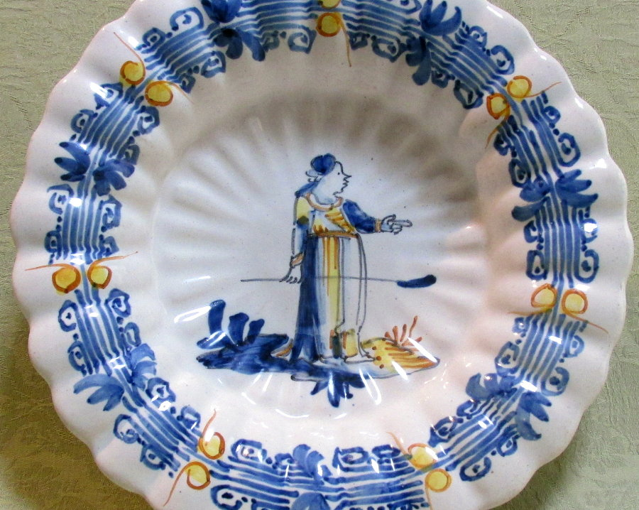 Attractive 18th century delft polychromed lobed dish