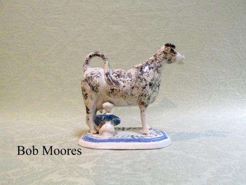Good cow creamer with milk maid - Staffordshire c.1800