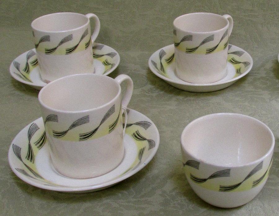 Original 1930 s wedgwood pottery in the garden design by for Garden design 1930