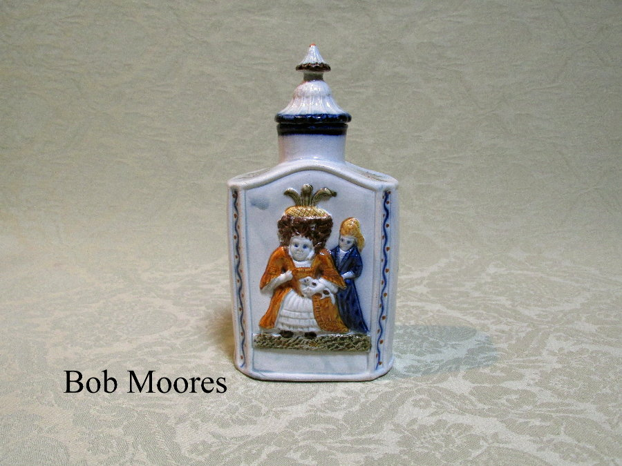 Large Prattware Macaroni tea caddy with original lid c.1790
