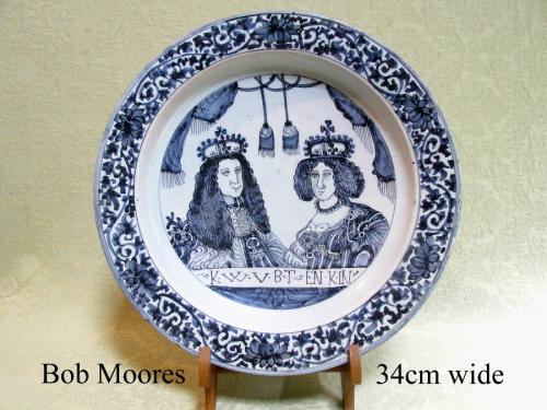 Fine William and Mary delft charger c.1690 34cm wide