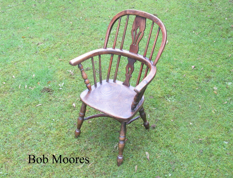 Rare 19th century child's Windsor chair