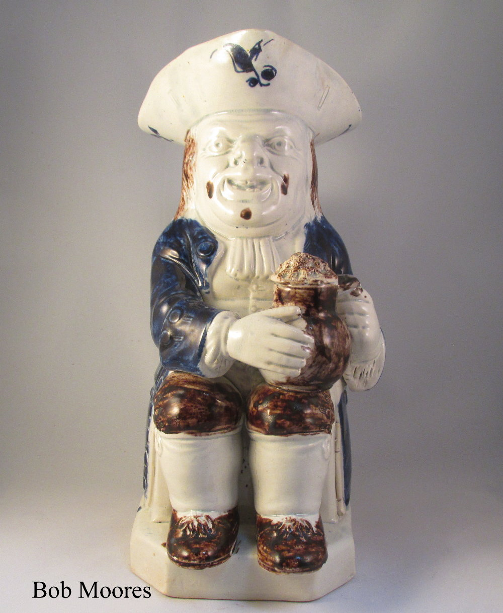 Good pearlware blue and white Toby jug c.1790