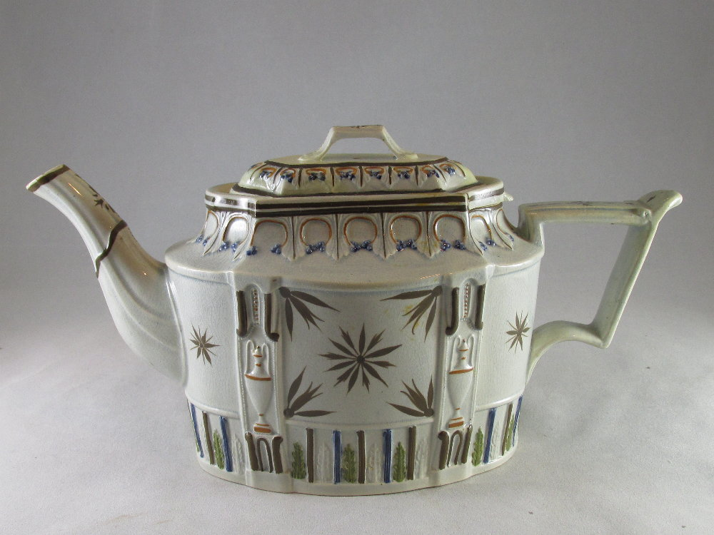 Fine pearlware teapot and lid Staffordshire c.1800