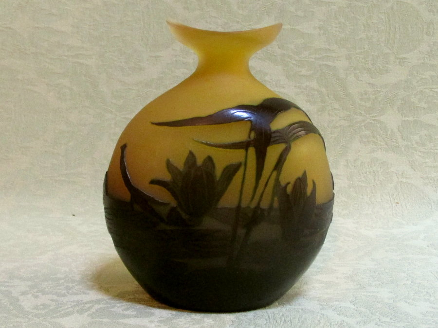 Fine Emile Galle cameo glass Lily vase Nancy c.1905