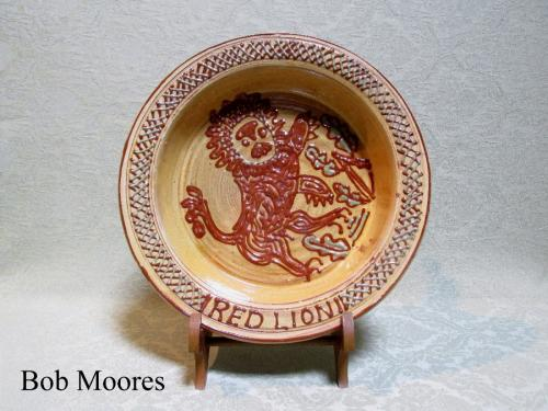 "Fine slipware ""Red Lion"" platter 1973 - Mary Wondrausch OBE"